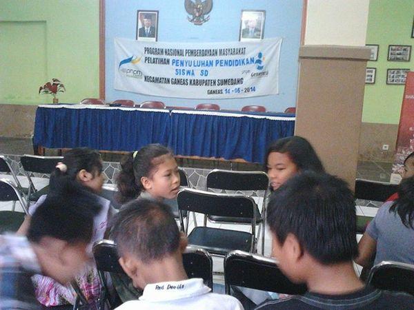 Salah satu acara yang diadakan di Kecamatan Ganeas (foto oleh Rahmat Abu Zahran)