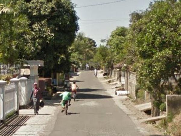 Akses jalan Desa Cisarua (foto: Google Street View)