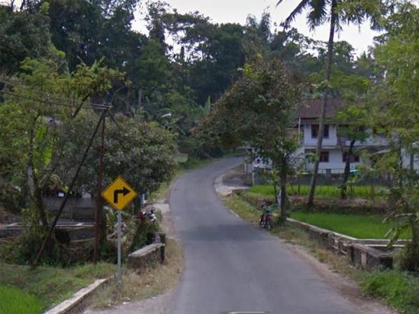 Akses jalan Desa Jatimulya (foto: Google Street View)