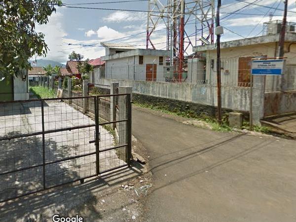 Akses jalan Kantor Desa Jatisari (foto: Google Street View)