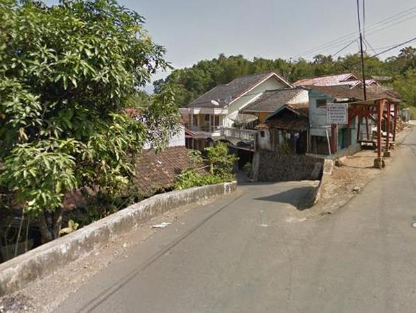 Akses menuju Desa Galudra (foto: Google Street View)