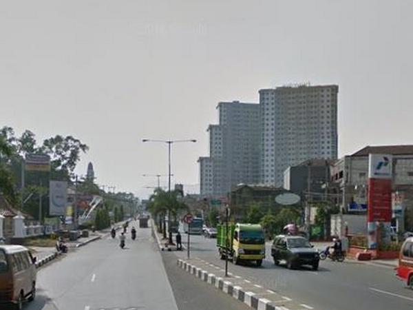 Akses jalan Bandung - Sumedang yang melewati Desa Cibeusi (foto: Google Street View)
