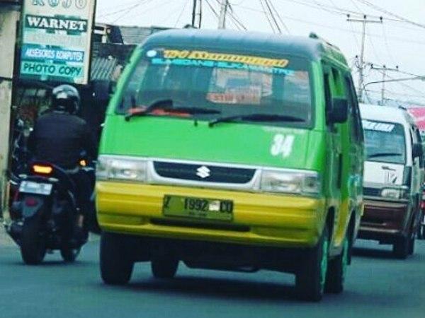 Angdes 34 Sumedang - Sukamantri (foto: ig @angkot_sumedang)