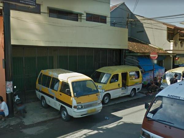 Angkot 08 di Panyingkiran (foto: Google Street View)