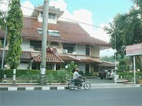 Bangunan Hotel Puri Mutiara