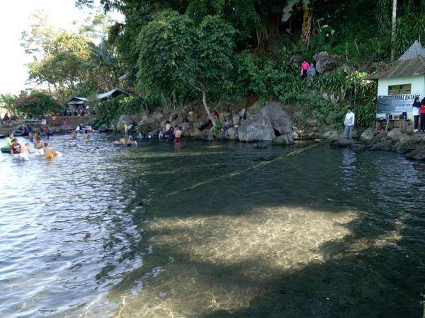 Beningnya mata air Cikandung (foto: g+ Asmul Asep Mulyadi)