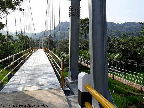 Jembatan gantung Karedok