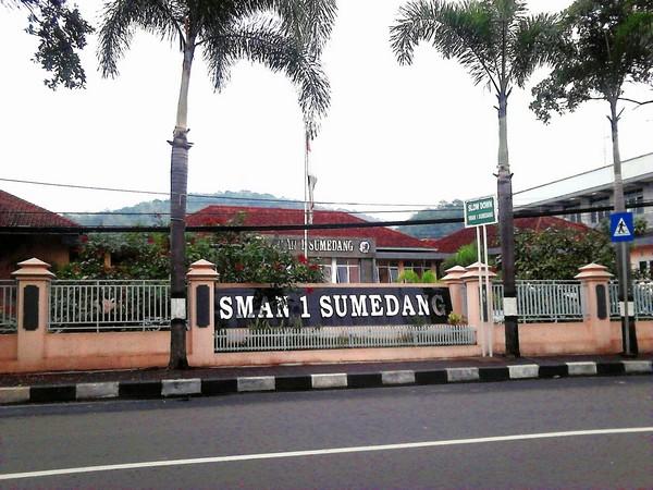 SMA Negeri 1 Sumedang (foto: Cahyanias Script)