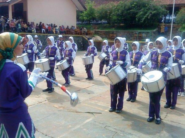 Ekstrakurikuler Drum band (foto: facebook)