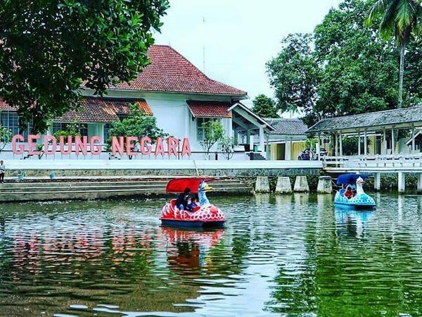 Wisata di Empang (foto: instagram @nubiesinema)