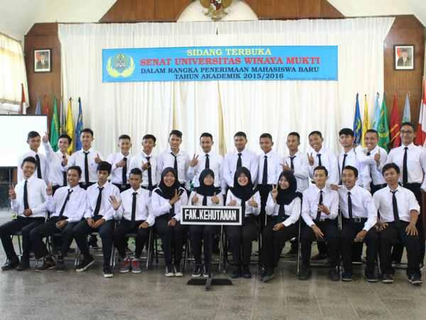 Mahasiwa Fakultas Kehutanan (foto: Unwim)