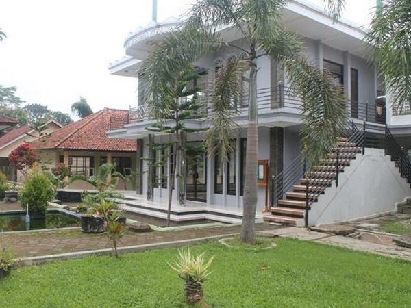 Fasilitas ibadah di SMA Negeri Situraja (foto: facebook)