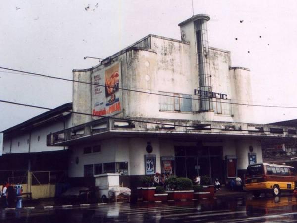 Gedung Bioskop Pacific (foto: facebook Deddi Rustandi)