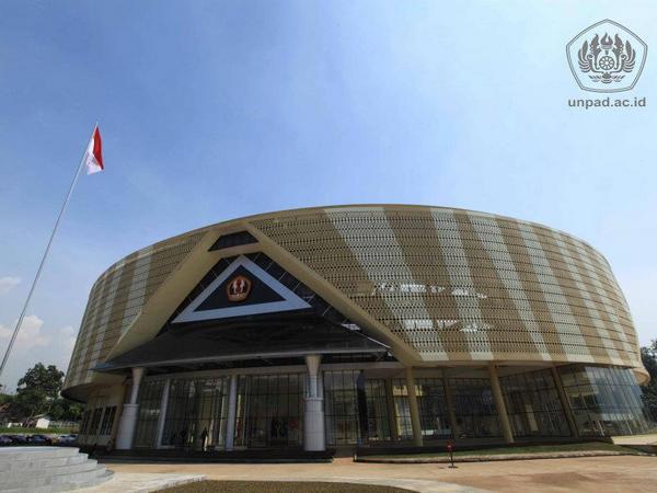 Gedung Rektorat Unpad (foto: facebook Unpad)