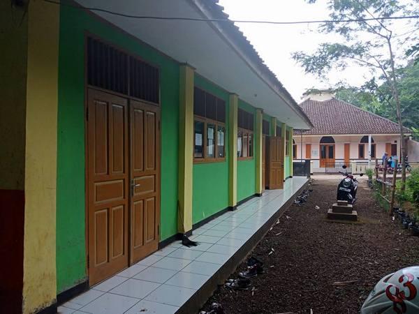 Gedung sekolah (foto: facebook SMK CIPTA KARYA)
