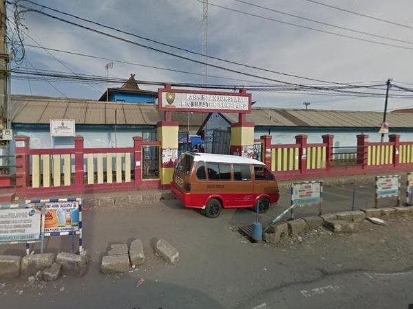 Gerbang Pasar Tanjungsari setelah direnovasi (foto: Google Street View)
