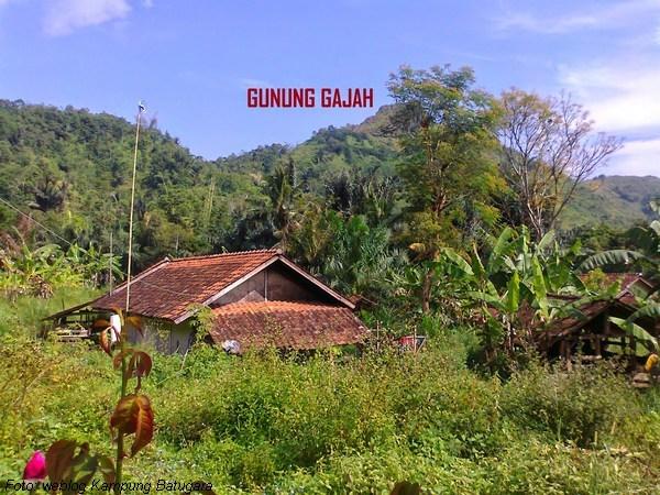 Gunung Gajah dari Kampung Batugara