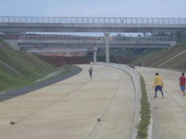 Jalan tol di Desa Margaluyu (foto: PRLM)