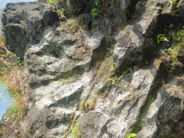 Jalur panjat tebing Gunung Karang (foto: denimulyanasasmita.blogspot.co.id)