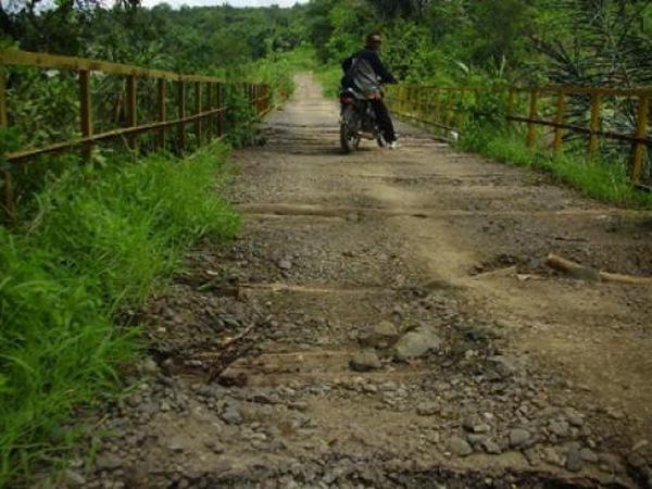 Jembatan Cinambo jauh sebelum Jatigede digenangi (foto: PRLM)