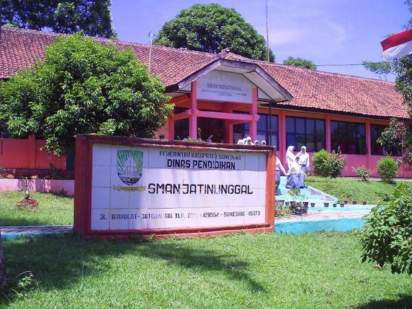 SMA Negeri Jatinunggal (foto: facebook)