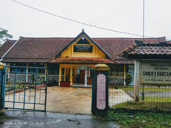 SMA Negeri Rancakalong (foto: g+ Daniel Chaniago)