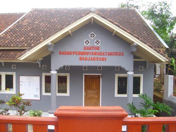 Kantor Badan Permusyawaratan Desa (foto: facebook Pemerintahan Desa Banjarsari)