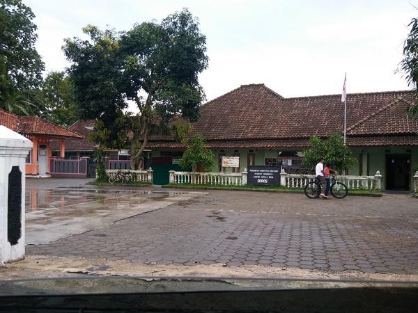 Kantor Desa Boros (foto: g+ daniel caniago)