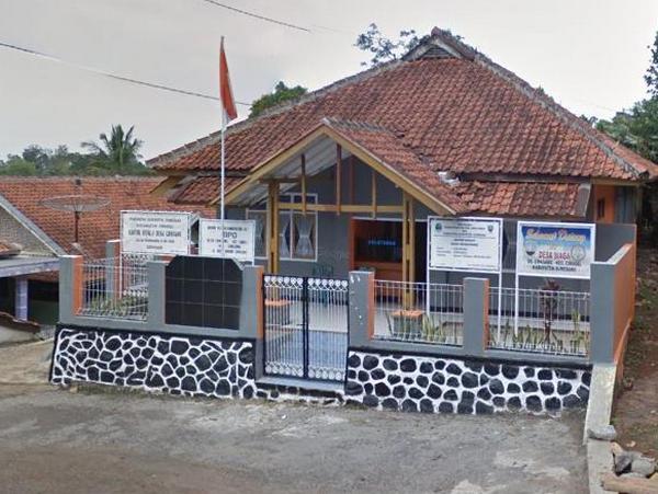 Kantor Desa Cipasang (foto: Google Street View)
