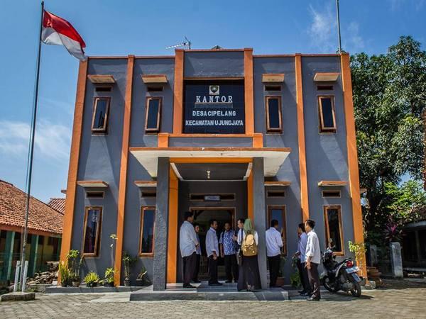 Kantor Desa Cipelang (foto: facebook Gin Gin Erma Hydayat)