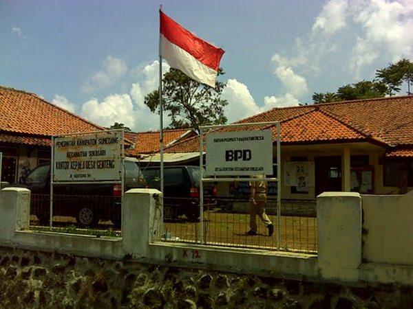 Kantor Desa Genteng (foto: Panoramio)