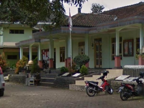 Kantor Desa Haurngombong (foto: Google Street View)