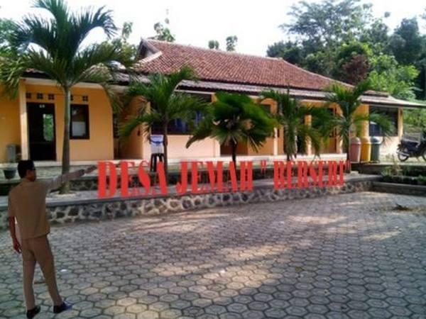 Kantor Desa Jemah (foto: facebook Desa Jemah)