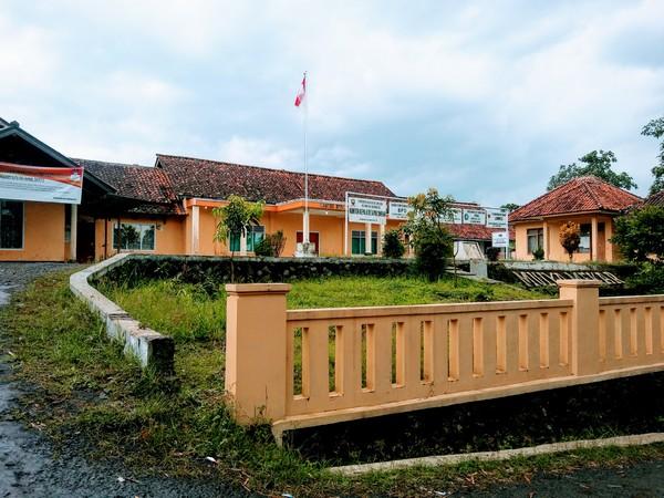 Kantor Desa Mulyamekar (foto: g+ daniel caniago)