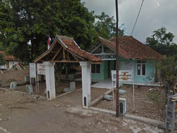 Kantor Desa Padajaya sebelum tenggelam (foto: Google Street View)