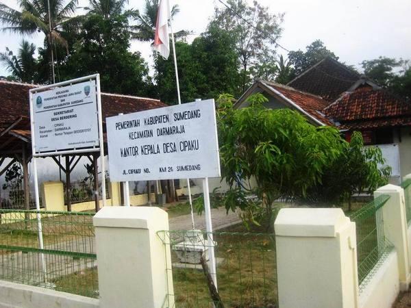 Kantor kepala Desa Cipaku (foto: Save Jatigede)