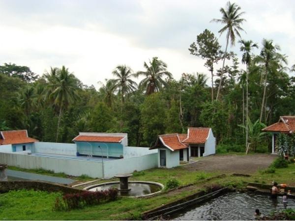 Kawasan Wana Wisata & Kolam Renang Cigirang (foto: Desa Cilangkap)