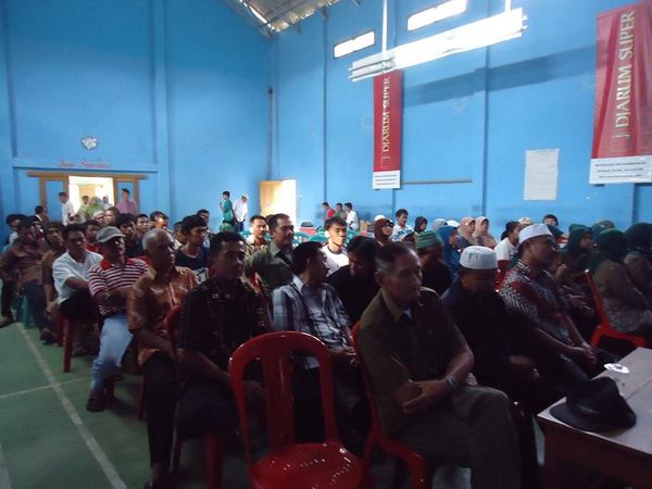 Kegiatan di Balai Desa Darmawangi (foto: facebook Desa Darmawangi)