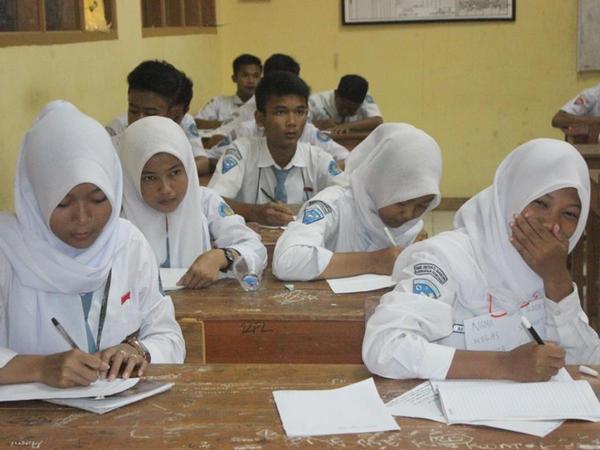 Kegiatan belajar mengajar di SMK Inovasi Mandiri (foto: page SMK Inovasi Mandiri)