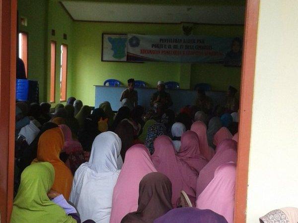 Salah satu kegiatan di Desa Cimarias (foto: twitter @k_jjng)