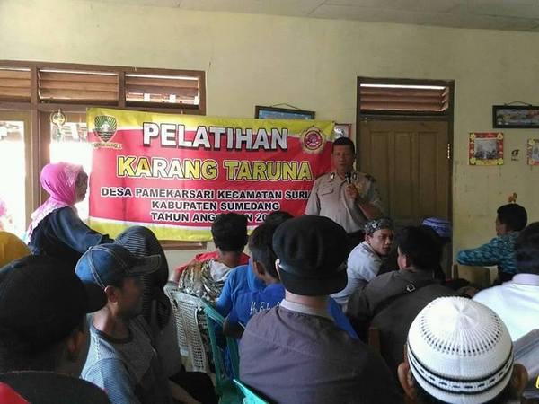 Kegiatan di desa (foto: facebook Arief Suria Kusumah Adinata)
