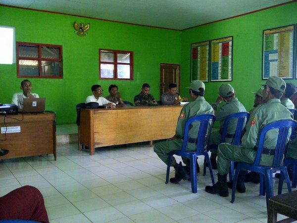Kegiatan di Balai Desa Kamal (foto: facebook Desa Kamal)