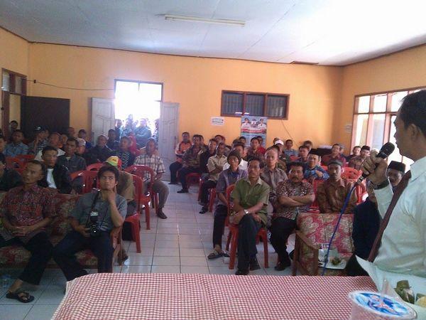Kegiatan di Balai Desa Gunungmanik (foto: facebook)