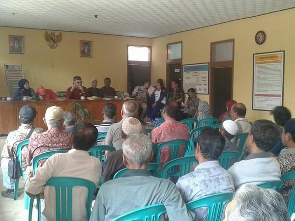 Kegiatan di Balai Desa Kebonjati (foto: I