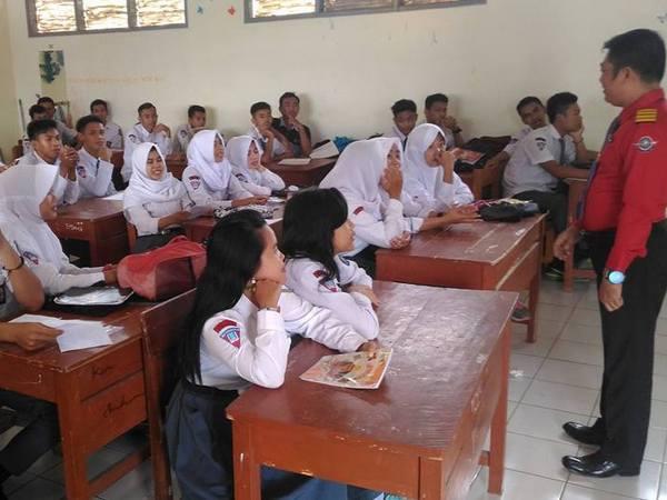Salah satu kegiatan di kelas SMK PGRI 1 Sumedang