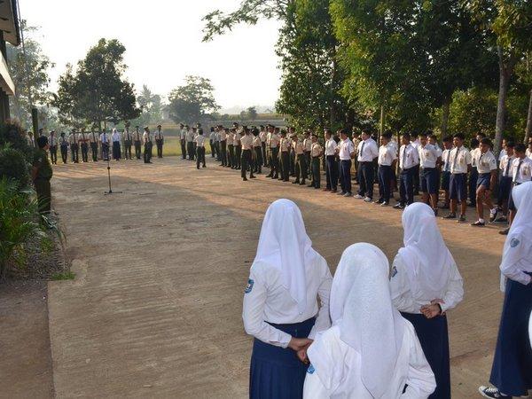 Kegiatan MOPD dalam penerimaan siswa baru SMK Kehutanan Rimba Bahari (foto: twitter @smkkrimbabahari)