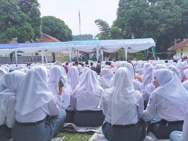 Salah satu kegiatan siswa (foto: facebook)