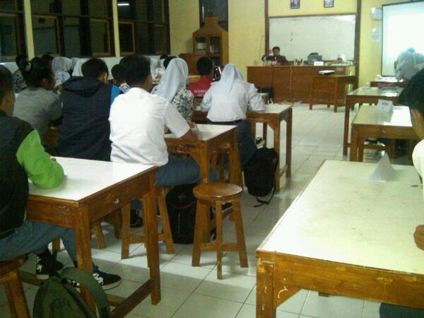 Kegiatan kelas SMA Negeri Rancakalong (foto: twitter)