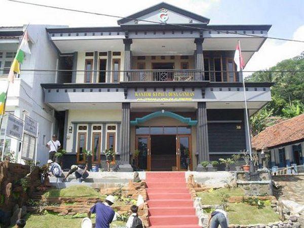 Kantor kepala Desa Ganeas (foto oleh facebook)