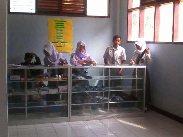 Koperasi siswa SMK Ardli Sela (foto: internet)